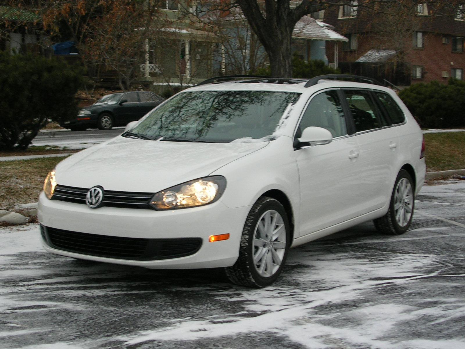 2010 jetta sportwagon tdi vw has put sport into wagon denver auto solutions. Black Bedroom Furniture Sets. Home Design Ideas